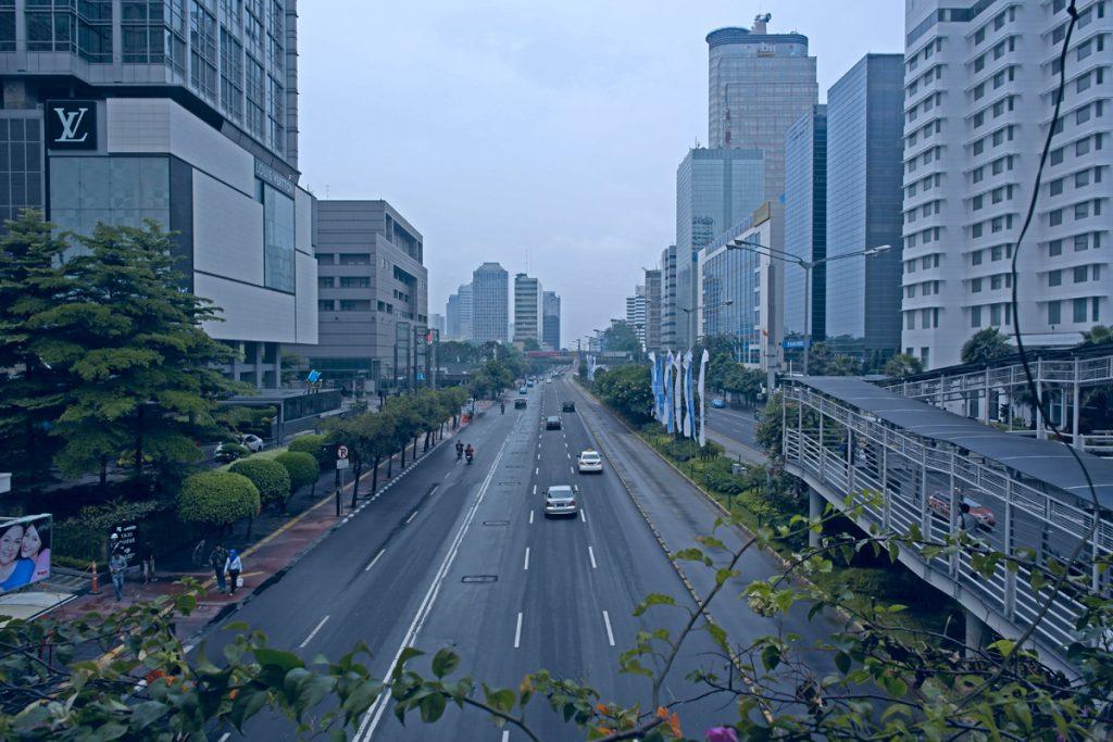 Strassen von Jakarta am frühen Morgen