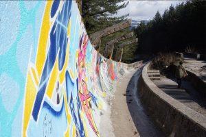 Ruinen des Eiskanals in Trebević