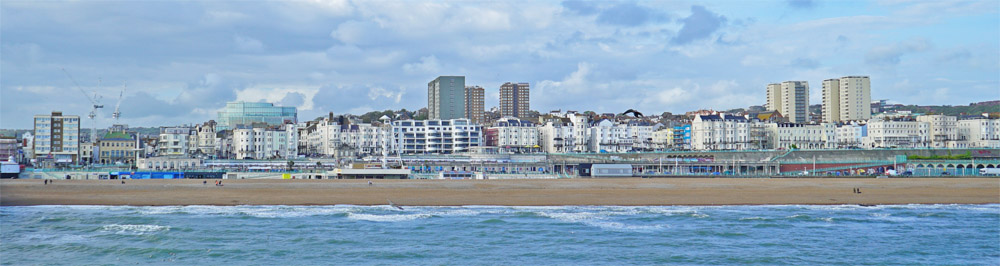 Brighton vom Meer aus fotografiert